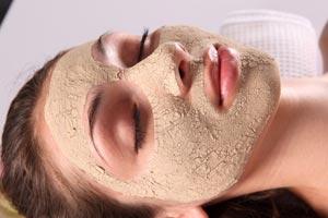 La máscara para la persona con las vitaminas a y e
