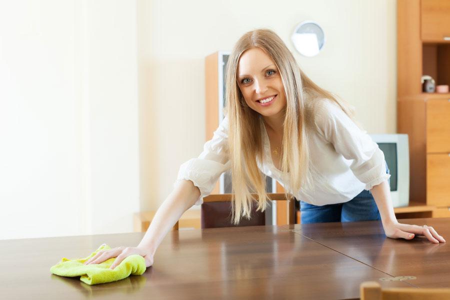 C mo limpiar los muebles de madera - Como limpiar una casa ...
