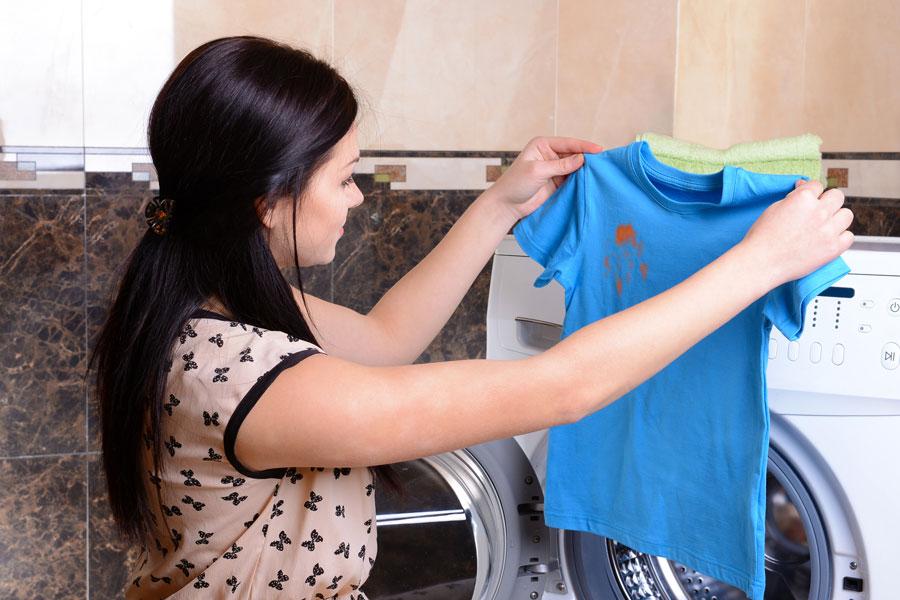 Truco para quitar manchas de óxido en la ropa. cómo eliminar las manchas de óxido.