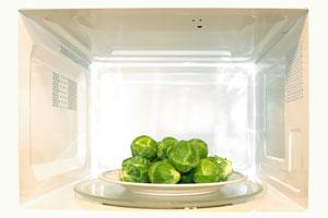 Cómo cocinar Verduras en el Microondas: ¿Con o sin agua?