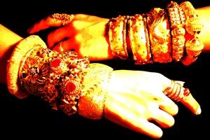 Cómo evitar que los anillos y las pulseras manchen la piel