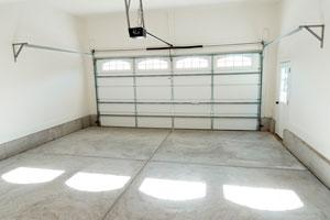 Método para quitar manchas de aceite sobre el piso de cemento. cómo eliminar las manchas de aceite o grasa del piso.