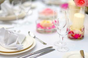 Tips para usar los cubiertos en una cena formal. Consejos para saber cómo actuar en una cena formal y cómo usar los cubiertos.