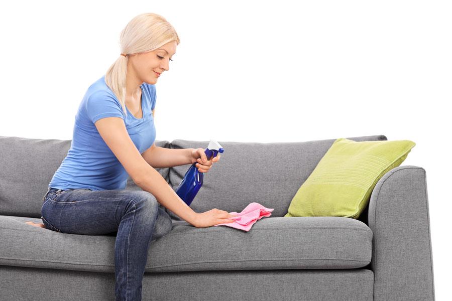 Consejos para limpiar los tapizados. Tips de limpieza de tapizados y muebles. Cómo eliminar las manchas del tapizado