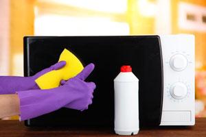 Como quitar el mal olor del microondas