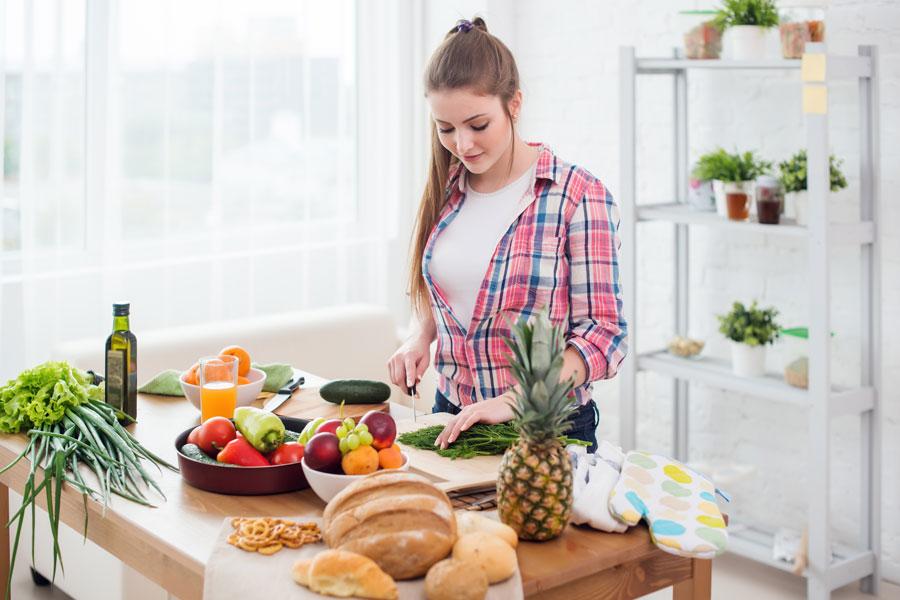 Dieta y alimentos para combatir el cansancio. Alimentación que te ayudara a combatir el cansancion y la fatiga. Vitaminas para combatir el cansancio