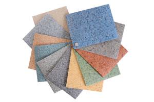 Guia para aplicar suelos de vinilo. Cómo colocar las baldosas de vinilo sobre el suelo. Consejos para la colocación de suelos de vinilo