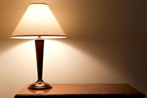 Ideas para hacer nuevas pantallas para una lámpara. Cómo crear pantallas para lámpara con tela, rafia o cartulina