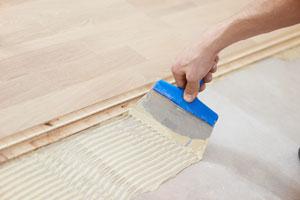 Guia para la colocación de pisos de parquet. Pasos para instalar suelos de parquet. Tips para colocar piezas de parquet