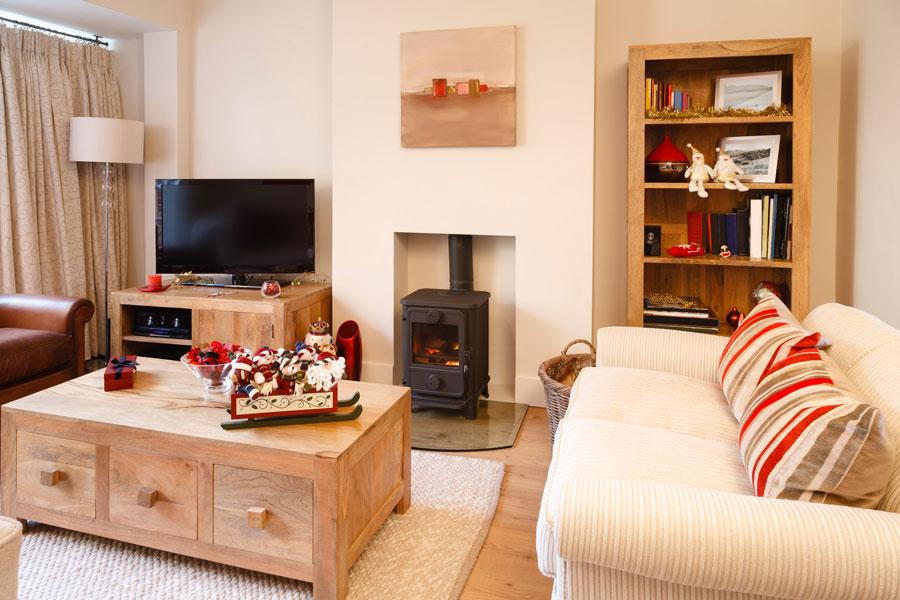 Cómo decorar la entrada, sala de estar o living en una casa pequeña