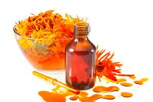 Usos de la caléndula en medicina natural. Cómo hacer remedios caseros con caléndula. Propiedades medicinales de la caléndula.