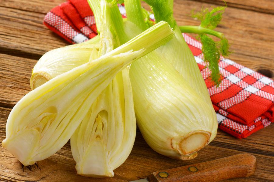 Métodos para cocinar y preparar el hinojo. Cómo comer el hinojo? Guía para preparar el hinojo antes de consumir.