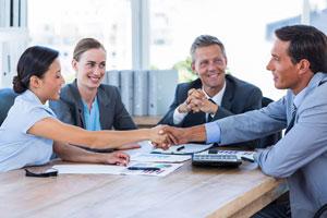 Guía para encontrar la solución a un problema en el trabajo. Pasos para solucionar imprevistos en la oficina.