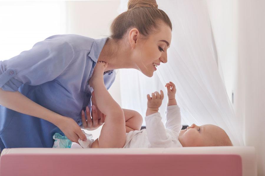 Como saber si el bebé esta bien observando la caca. El significado de la caca del bebé.