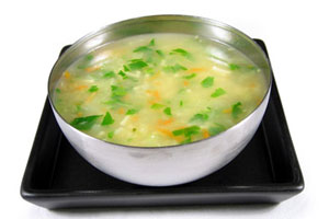 Cómo cocinar sopa de pollo en microondas