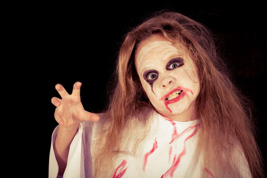 Cómo hacer un disfraz de zombie