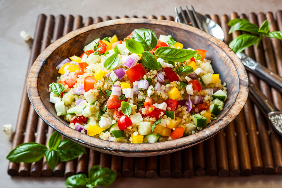 Recetas para hacer ensaladas diferentes. ingredientes y preparación para hacer ensaladas exóticas. Ideas para preparar ensaladas distintas