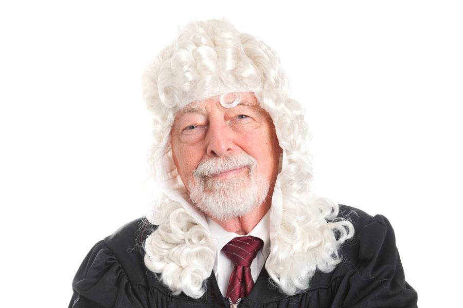 Cómo hacer una peluca de noble o juez