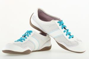 Cómo limpiar zapatillas y botas de cuero
