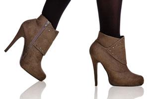 Cómo estirar zapatos nuevos