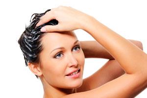 Cómo preparar una mascarilla natural para pelo graso