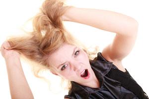 Cómo quitar el chicle del pelo