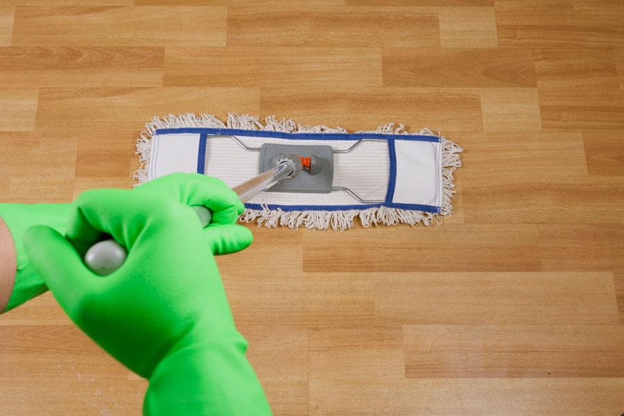 Cómo limpiar y mantener superficies de madera