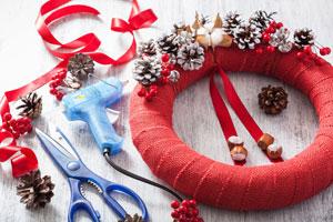 Ideas para crear adornos de navidad con silicona caliente. Crea adornos navideños con silicona caliente