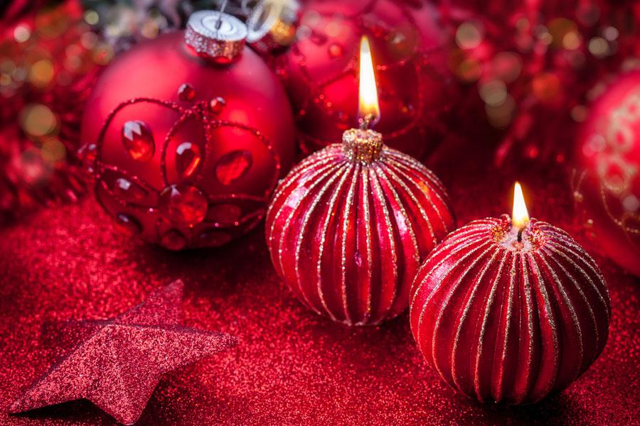 Ideas para decorar la cena de navidad y año nuevo con velas. Las velas son ideales para decorar las noches de navidad y año nuevo
