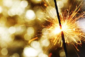 Consejos para evitar accidentes al usar pirotecnia. Cuidado con las quemaduras por el mal uso de la pirotecnia. Cómo prevenir quemaduras en fiestas