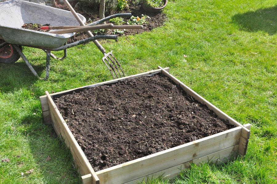 Tipos de abono para nutrir los suelos. Como nutrir la tierra con abono organico. Tipos de abono orgánico para nutrir las plantas.