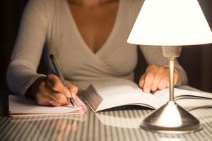Estrategias para estar despiertos en las noches si tenemos que estudiar. Cómo estudiar por las noches y mantenerte despierto