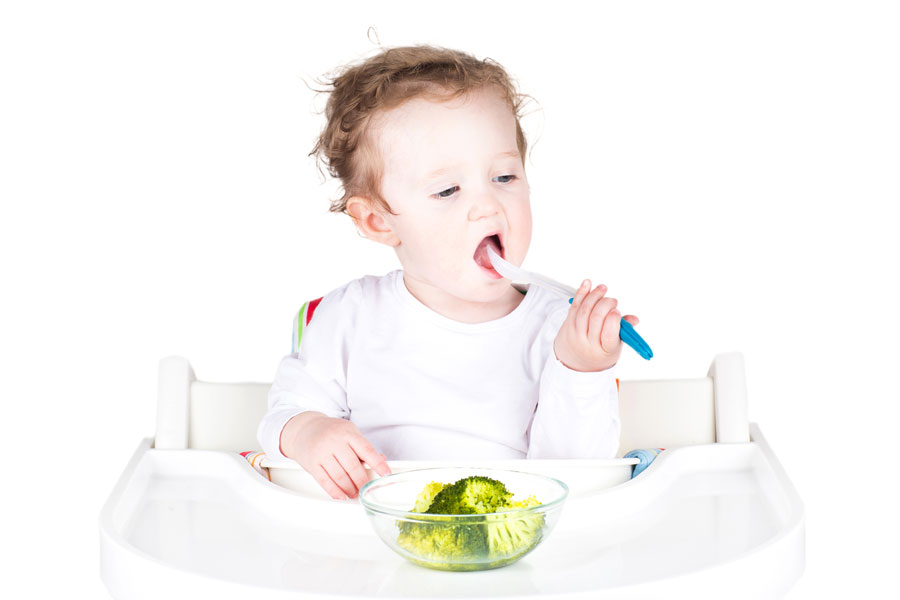 Cómo Hacer que Coma un Niño de 1 año