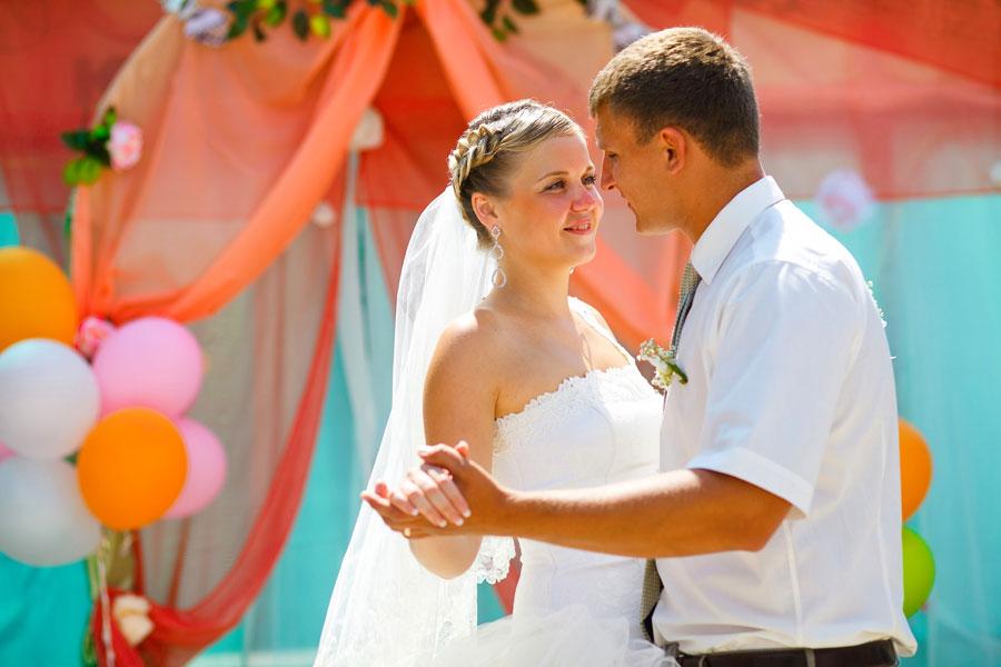 Cómo hacer un primer baile de bodas original