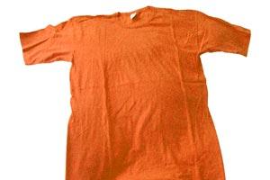 Trucos para devolverle el color original a las prendas desteñidas. Qué hacer si la ropa se mancho con una prenda que se ha desteñido.