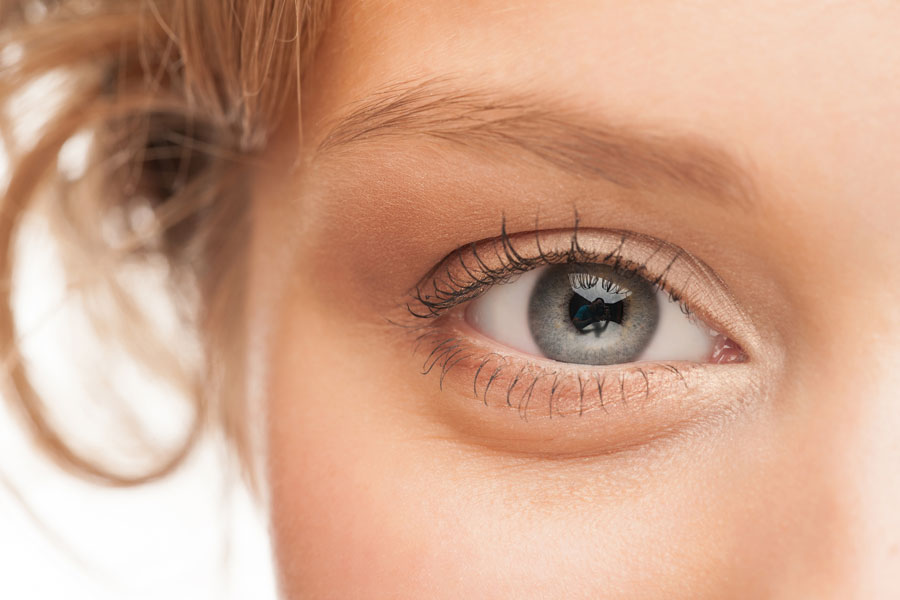 Tips para rejuvenecer los ojos. Cómo mantener y cuidar la zona de los ojos. Trucos para rejuvenecer la mirada.