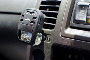 Trucos simples para aromatizar el coche. Cómo quitar el mal olor del auto con aromatizantes caseros. Tips para aromatizar el coche