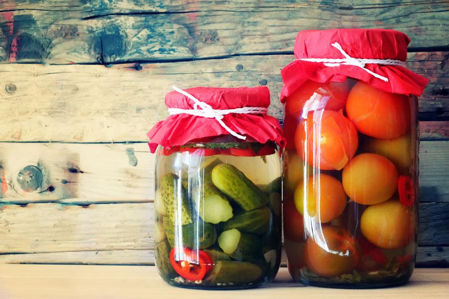 Guía para hacer conservas en vinagre. Recetas y preparación de diversas conservas en vinagre. Cómo hacer conservas de hortalizas y tubérculos.