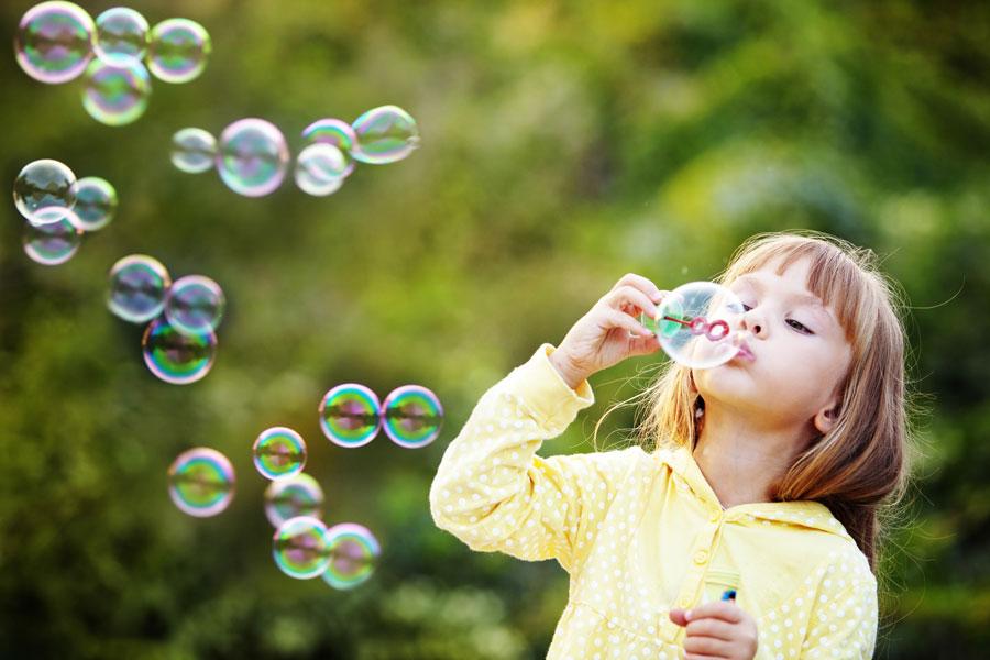 Cómo hacer un burbujero para entretener a los niños