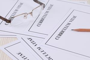 Cómo configurar el formato de un currículum en word o similar