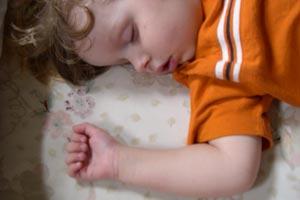 Cómo pasar al niño de la cuna a la cama
