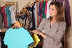 Ideas para renovar viejos vestidos y lucir como nuevos. Detalles simples para renovar vestidos.