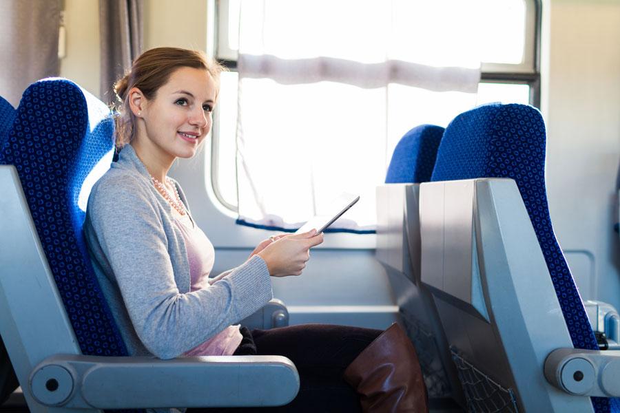 Cómo comportarse en un avión, tren o autobús