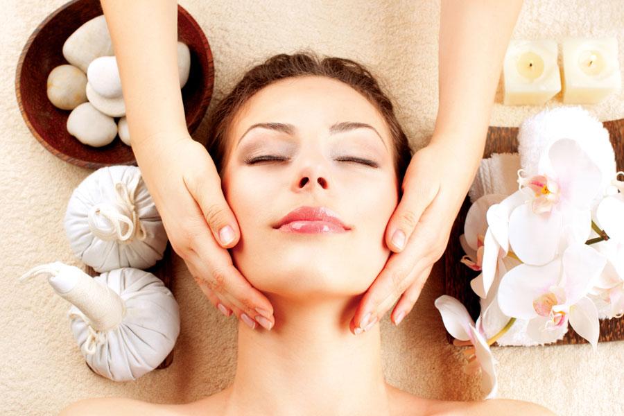 Consejos, trucos y sugerencias para combatir la flacidez facial. Ejercicios y productos para eliminar la flacidez facial