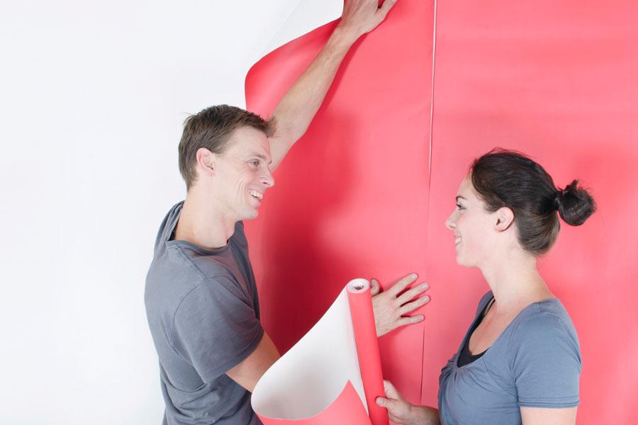 Guía para empapelar paredes con paple de regalo, periódico o el que quieras. Técnica para empapelar paredes con papeles especiales