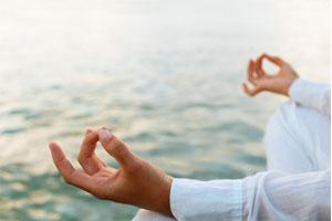 Como practicar la meditación trascendental. Qué es la meditación trascendental. Como hacer la técnica de meditación trascendental