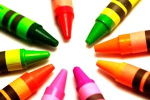 Cómo hacer crayones caseros de cera y de jabón. Guía para fabricar tus propios caryones de cera y de jabón. Crayones caseros y naturales