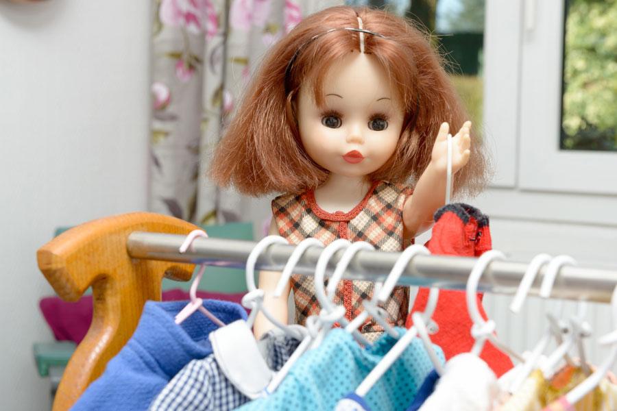 Guia para crear un guardarropas para muñecas. Un guardarropas para las prendas de las muñecas. Tips para crear un guardarropas para las muñecas