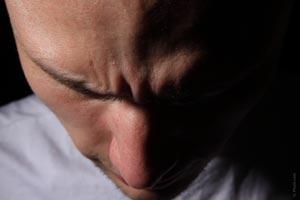 Técnica de liberación emocional EFT para sanar una situación conflicta. Resuelve problemas con la técnica de liberación emocional.