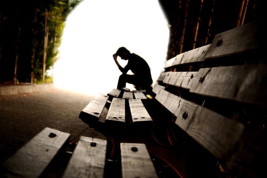 Consejos para salir del sufrimiendo. Cómo dejar de sufrir. Preguntas que nos ayudarán a salir del sufrimiento. Sal ahora de tu sufrimiento